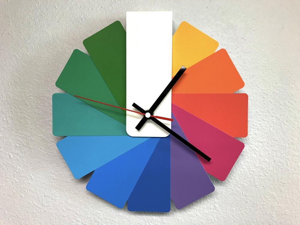 Cuppa SEO Color Wheel Clock